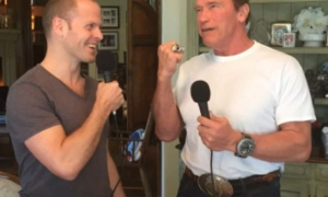 Tim Ferriss Interviews Arnold About Being Amazing